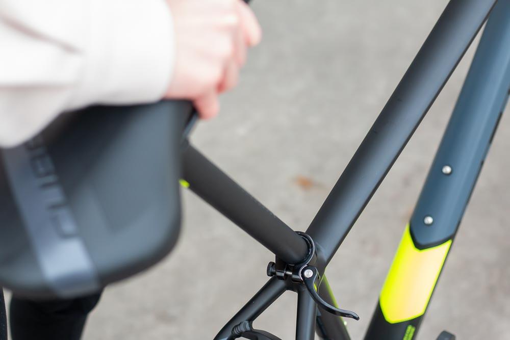 19 aufbau sattel einsetzen - Schritt für Schritt erklärt: Aufbauanleitung für dein Fahrrad oder E-Bike