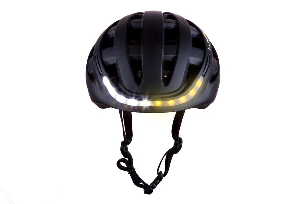 Lumosblack3 - Lumos Kickstart Fahrradhelm - Er blinkt und hat Bluetooth