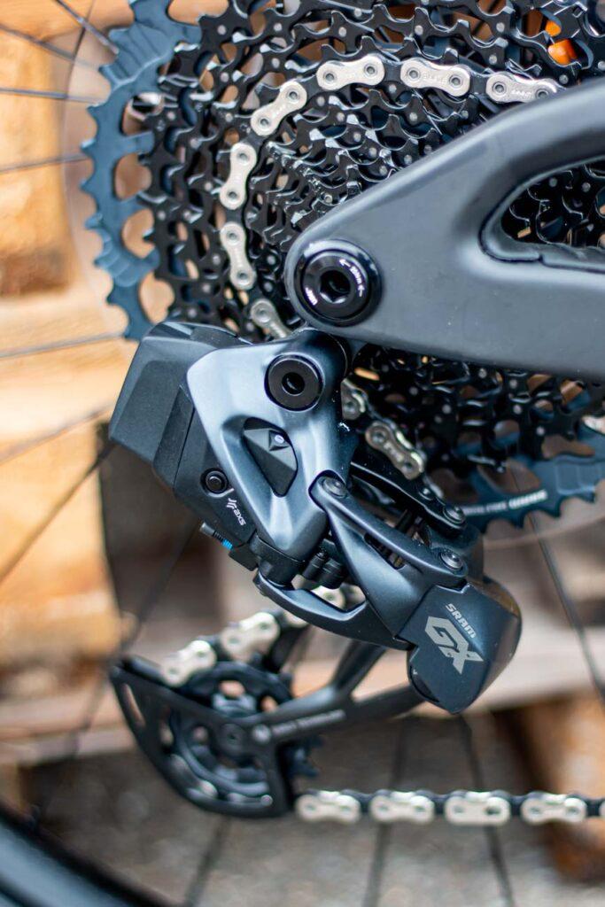 Scott Spark RC Detailbilder 09 683x1024 - Wie du siehst, siehst du nichts … vom Dämpfer am Scott Spark RC