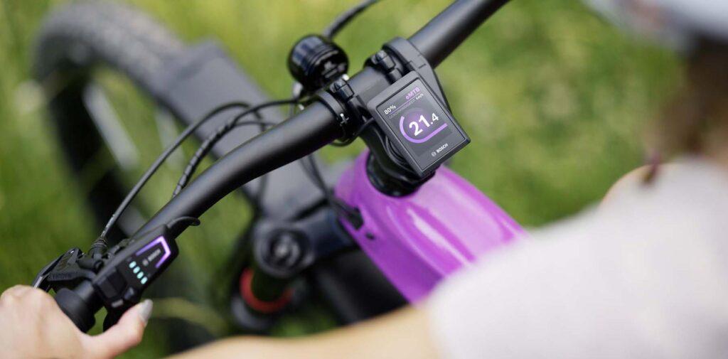 LED Remote und Kiox 300 Display (Foto: Bosch)